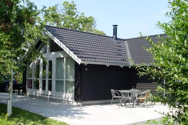 Ferienhaus Høll